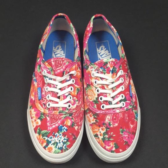 cf3fc972ba3bcd Vans Floral Liberty Art Fabrics Era Pink Flowers. M 5b108b1e36b9de1222bb4c24